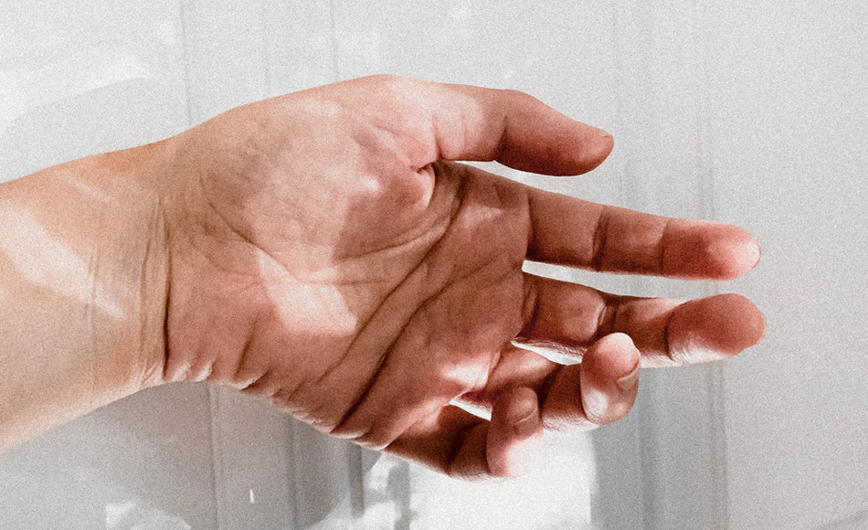 Crampes aux mains : comment se produisent-elles et à quoi sont-elles dues ?