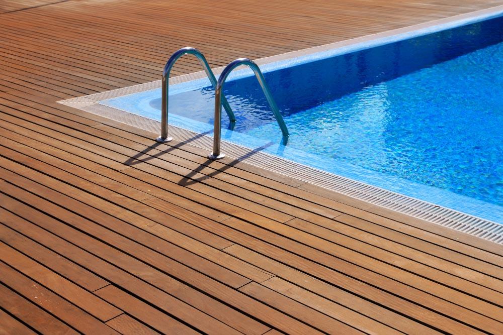 Piscine intérieure : comment choisir la taille de votre future piscine ?